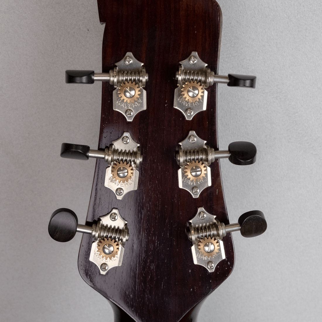 guitar standard jazz machine headstock